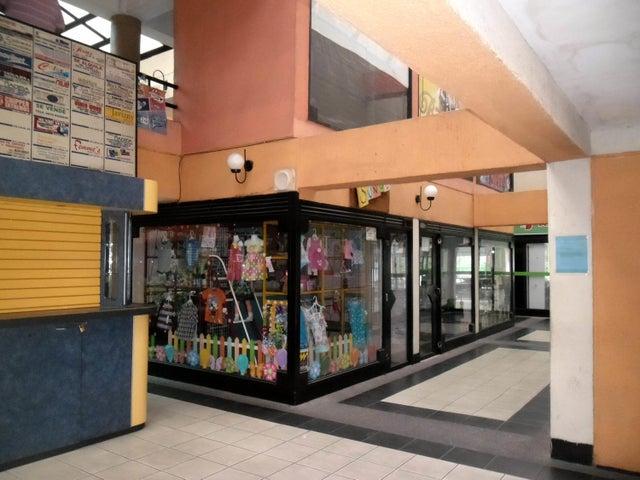 Local Comercial En Venta En Maracay - Avenida 19 de Abril Código FLEX: 18-11079 No.11