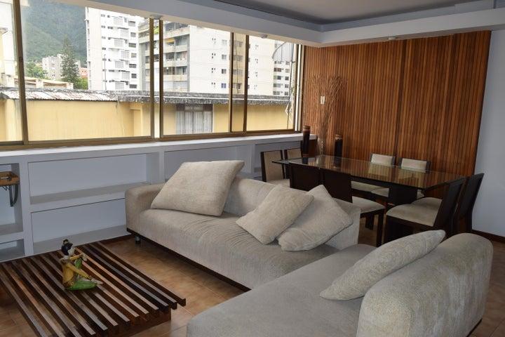 Apartamento En Venta En Caracas - Los Palos Grandes Código FLEX: 18-7361 No.11