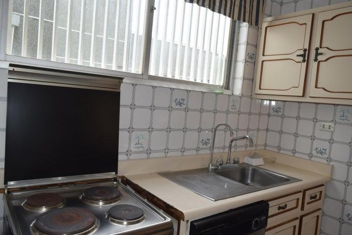 Apartamento En Venta En Caracas - Los Palos Grandes Código FLEX: 18-7361 No.15