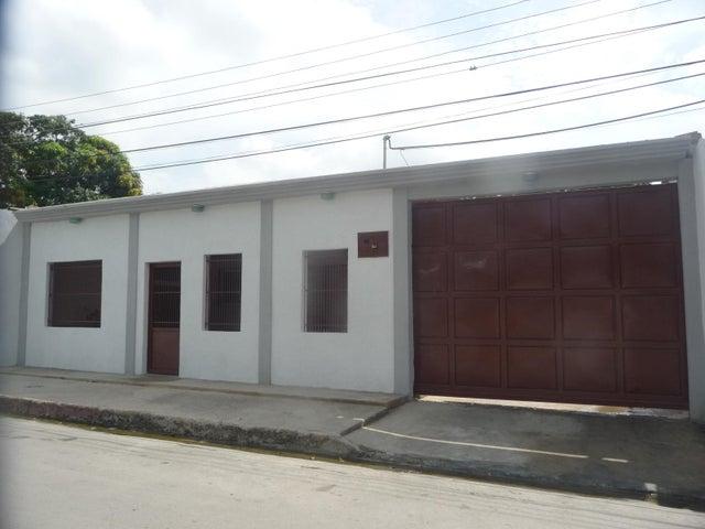 Casa En Venta En Maracay - La Morita Código FLEX: 18-12366 No.0