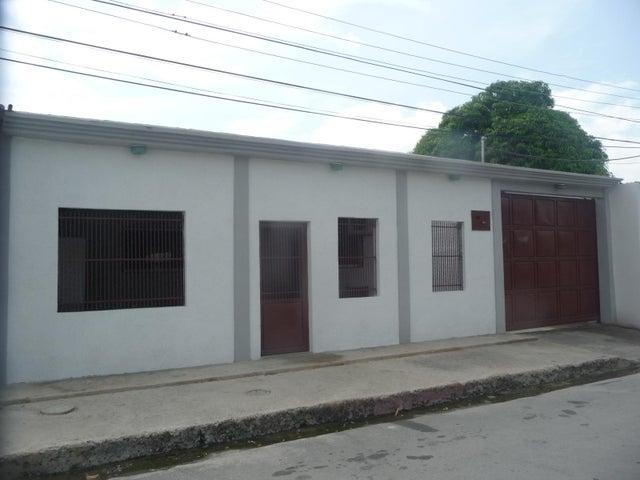 Casa En Venta En Maracay - La Morita Código FLEX: 18-12366 No.2