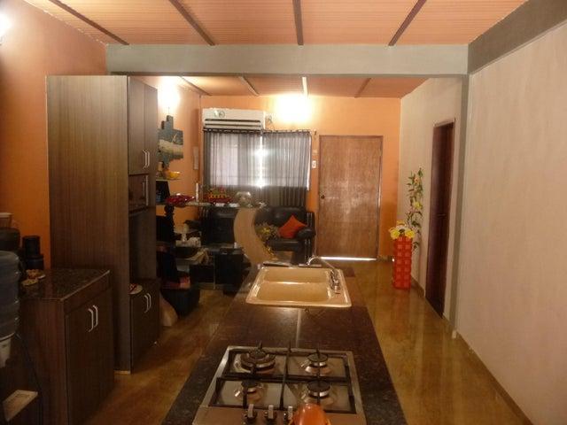 Casa En Venta En Maracay - La Morita Código FLEX: 18-12366 No.12