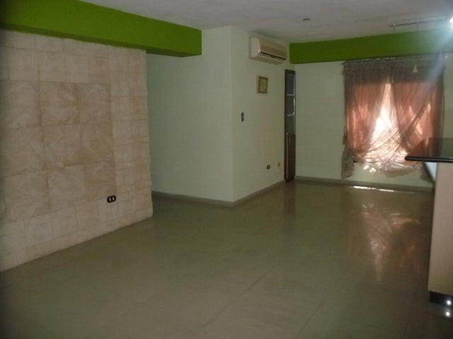 Apartamento En Venta En Maracay - Base Aragua Código FLEX: 18-12475 No.2