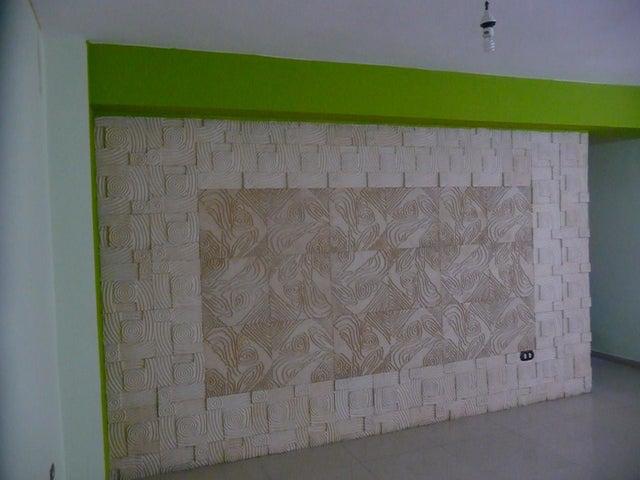 Apartamento En Venta En Maracay - Base Aragua Código FLEX: 18-12475 No.3