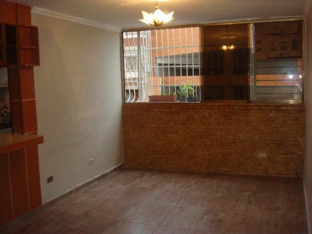 Apartamento En Venta En Maracay - Zona Centro Código FLEX: 18-12622 No.0