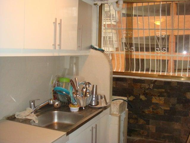 Apartamento En Venta En Maracay - Zona Centro Código FLEX: 18-12622 No.9