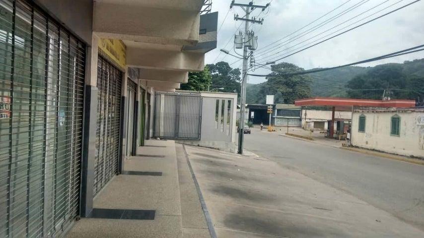 Local Comercial En Alquiler En Turmero - Zona Centro Código FLEX: 18-12907 No.1