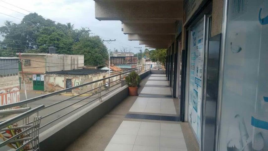 Local Comercial En Alquiler En Turmero - Zona Centro Código FLEX: 18-12907 No.3