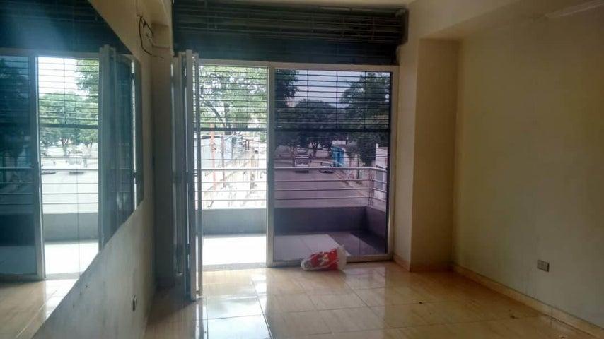 Local Comercial En Alquiler En Turmero - Zona Centro Código FLEX: 18-12907 No.5