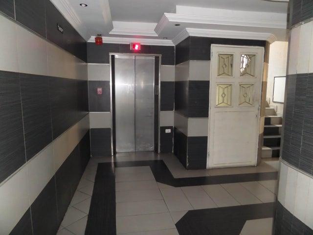 Apartamento En Venta En Maracay - La Soledad Código FLEX: 18-12975 No.3