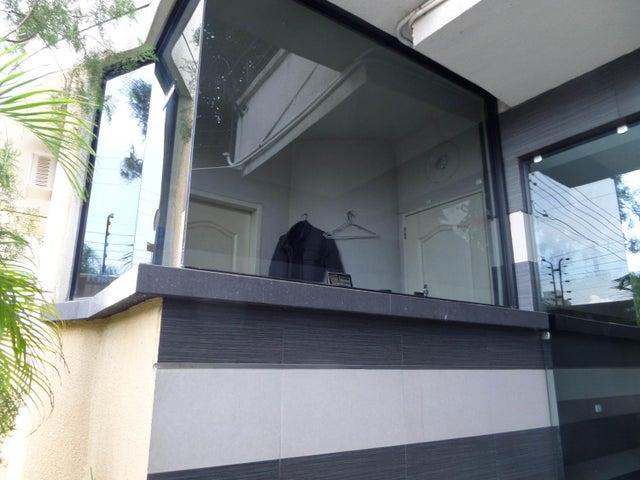 Apartamento En Venta En Maracay - La Soledad Código FLEX: 18-12975 No.4