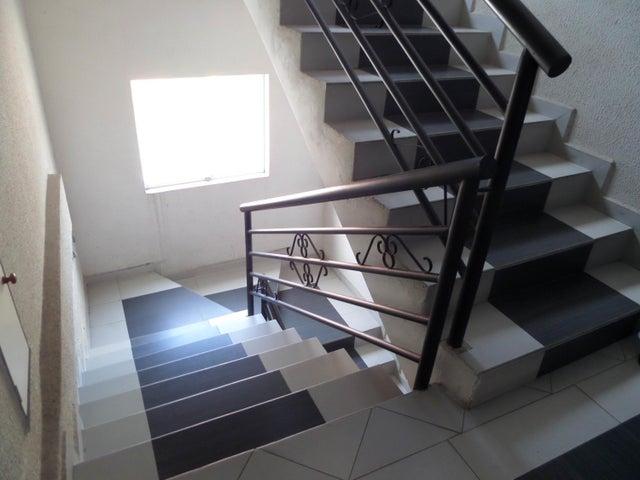Apartamento En Venta En Maracay - La Soledad Código FLEX: 18-12975 No.5