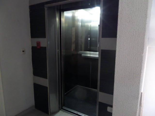 Apartamento En Venta En Maracay - La Soledad Código FLEX: 18-12975 No.6
