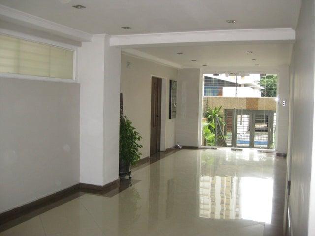 Apartamento En Venta En Maracay - San Isidro Código FLEX: 18-13231 No.1