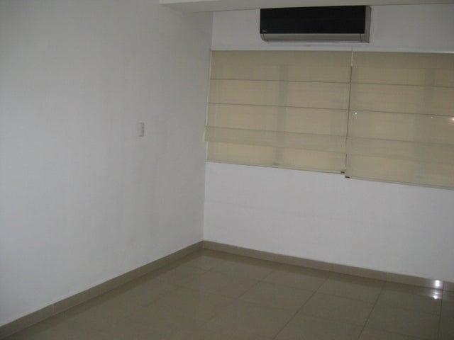 Apartamento En Venta En Maracay - San Isidro Código FLEX: 18-13231 No.4