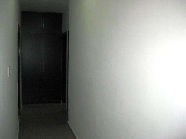 Apartamento En Venta En Maracay - San Isidro Código FLEX: 18-13231 No.11