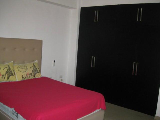 Apartamento En Venta En Maracay - San Isidro Código FLEX: 18-13231 No.12