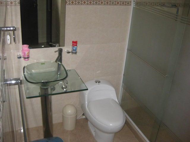 Apartamento En Venta En Maracay - San Isidro Código FLEX: 18-13231 No.14