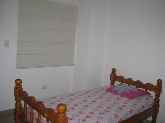 Apartamento En Venta En Maracay - San Isidro Código FLEX: 18-13231 No.15
