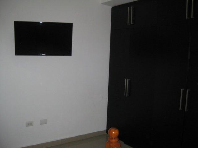 Apartamento En Venta En Maracay - San Isidro Código FLEX: 18-13231 No.16