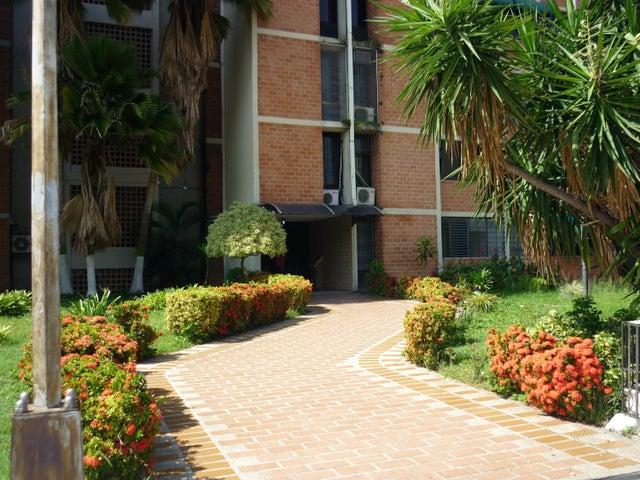 En Venta En Maracay - Bosque Alto Código FLEX: 18-13247 No.2
