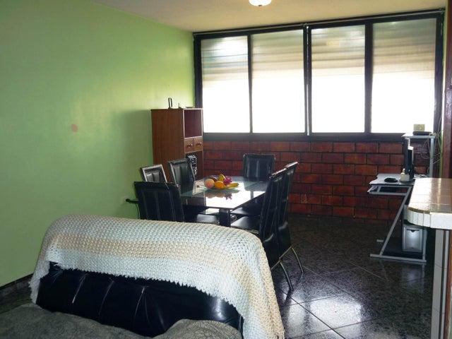 En Venta En Maracay - Bosque Alto Código FLEX: 18-13247 No.5