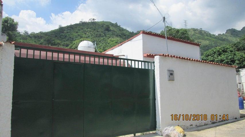 Casa En Venta En Maracay - El Limon Código FLEX: 18-13259 No.0
