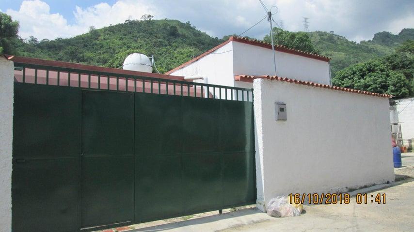 Casa En Venta En Maracay - El Limon Código FLEX: 18-13259 No.1