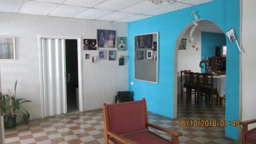 Casa En Venta En Maracay - El Limon Código FLEX: 18-13259 No.4