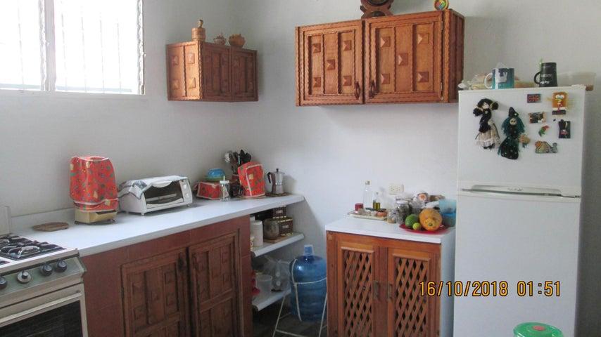 Casa En Venta En Maracay - El Limon Código FLEX: 18-13259 No.13