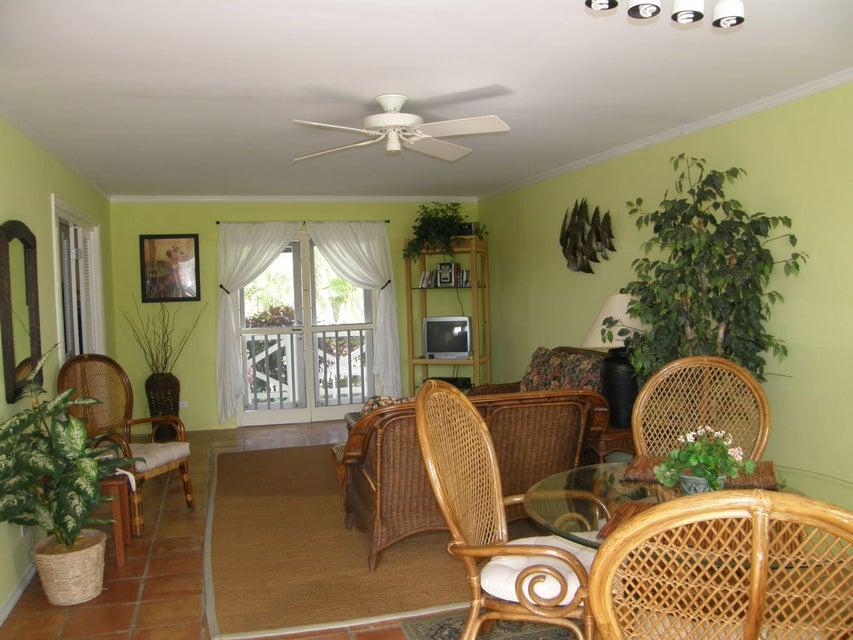 Condominium for Sale at SG Crtyd Villas 6 Southgate Farm EA SG Crtyd Villas 6 Southgate Farm EA St Croix, Virgin Islands 00820 United States Virgin Islands
