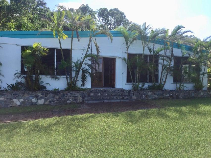 Частный односемейный дом для того Аренда на 23 D&I St. John QU 23 D&I St. John QU St Croix, Virgin Islands 00820 Виргинские Острова