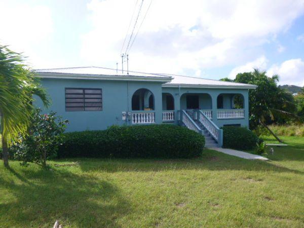 多户住宅 为 出租 在 325 Hermon Hill CO 325 Hermon Hill CO 圣克洛伊岛, 维京群岛 00820 美属维尔京群岛