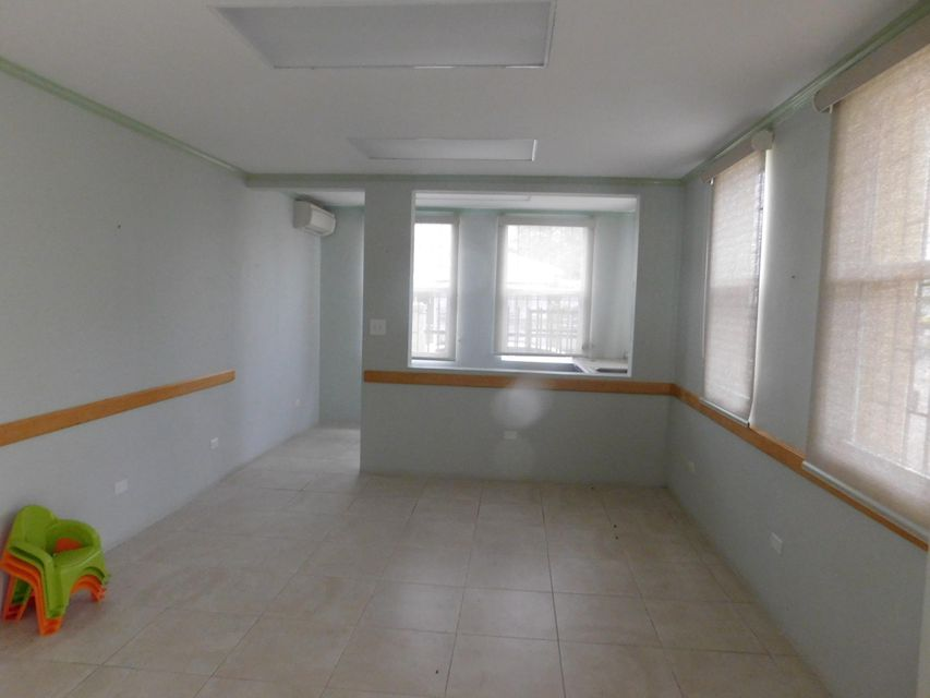 Additional photo for property listing at 19 6th St. King Quarter QU 19 6th St. King Quarter QU 圣托马斯, 维京群岛 00802 美属维尔京群岛