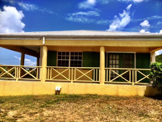 Maison unifamiliale pour l Vente à 65 South Grapetree Bay EB 65 South Grapetree Bay EB St Croix, Virgin Islands 00820 Isles Vierges Américaines