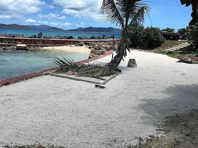 Casa Multifamiliar por un Venta en 11B-7&A-1B Smith Bay EE 11B-7&A-1B Smith Bay EE St Thomas, Virgin Islands 00802 Islas Virgenes Ee.Uu.