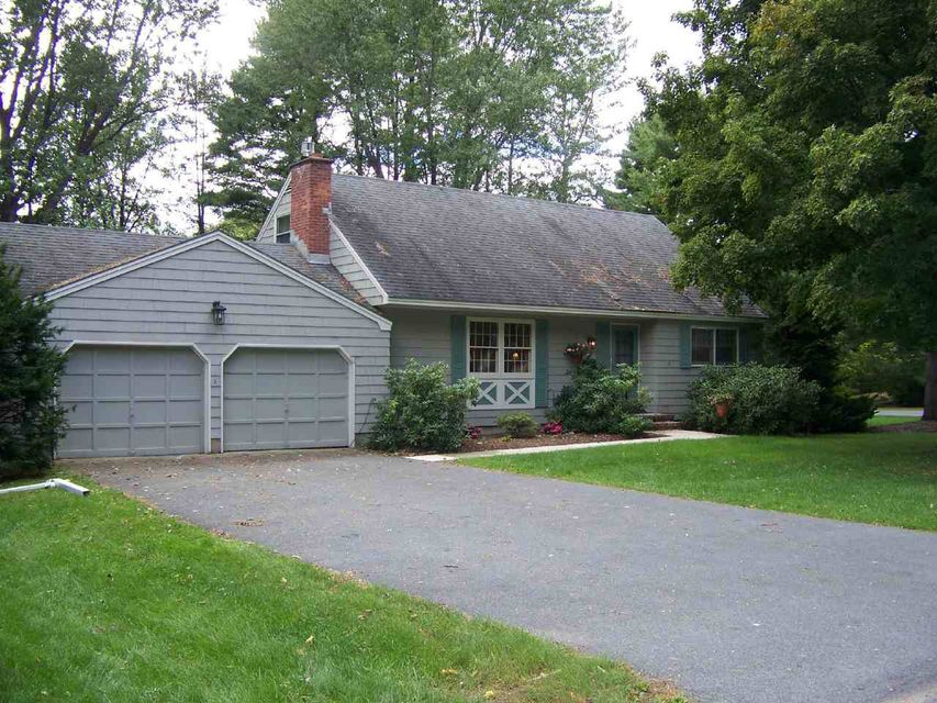 4 Lynnfield Drive, Queensbury NY 12804 photo 1