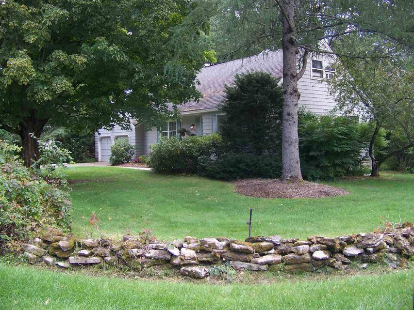 4 Lynnfield Drive, Queensbury NY 12804 photo 2