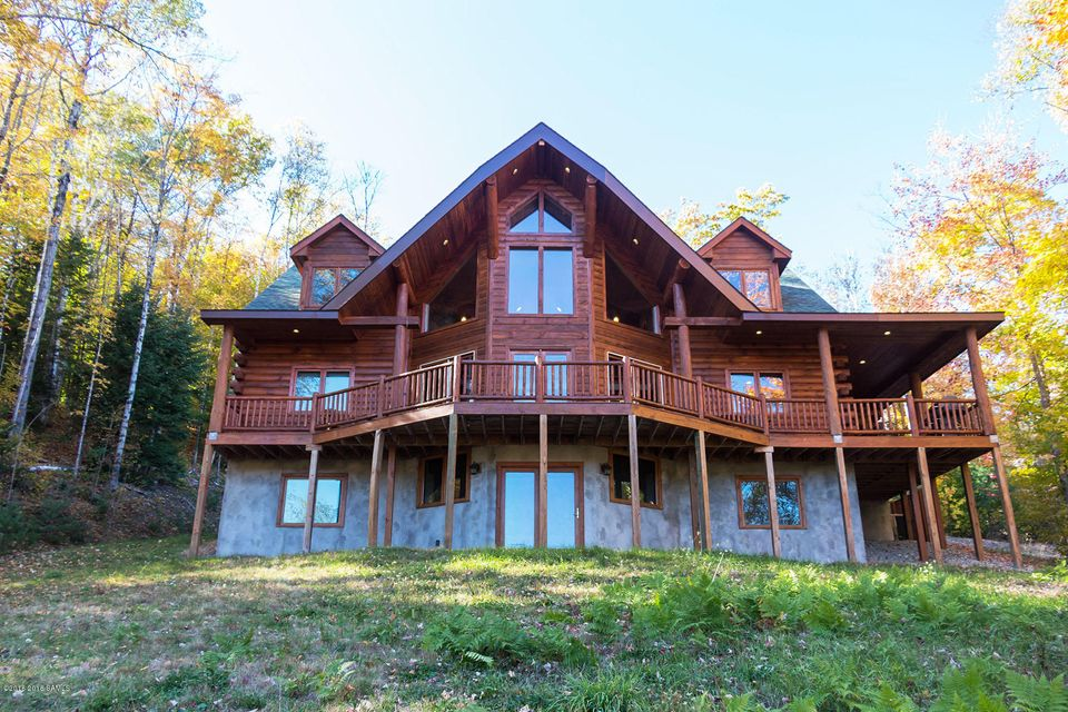 35 Evergreen Way, North Creek, NY 12853