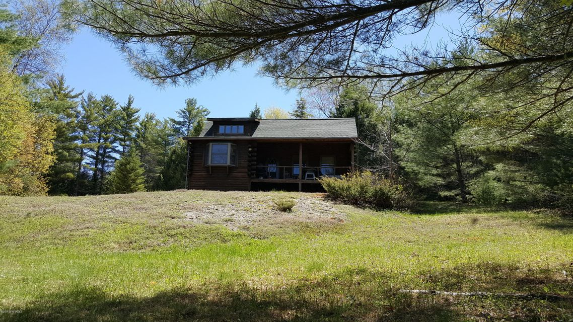131 Pine Notch Rd, Chestertown, NY 12817