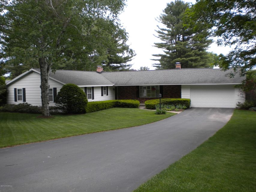 2 Orchard Drive, Queensbury, NY 12804