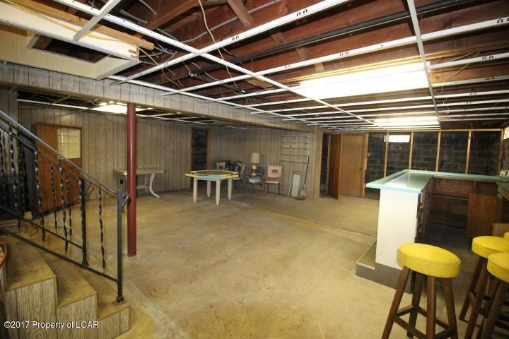 331 Chase Street,West Pittston,Pennsylvania 18643,3 Bedrooms Bedrooms,7 Rooms Rooms,1 BathroomBathrooms,Residential,Chase,17-2560