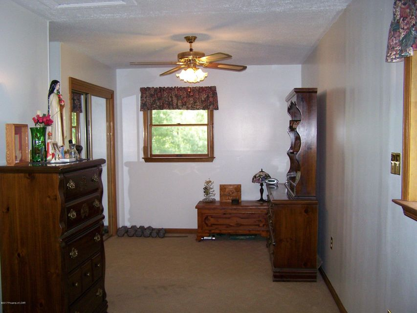 2509 Old Reading Rd,Ringtown,Pennsylvania 17967,3 Bedrooms Bedrooms,7 Rooms Rooms,1 BathroomBathrooms,Residential,Old Reading,17-2679
