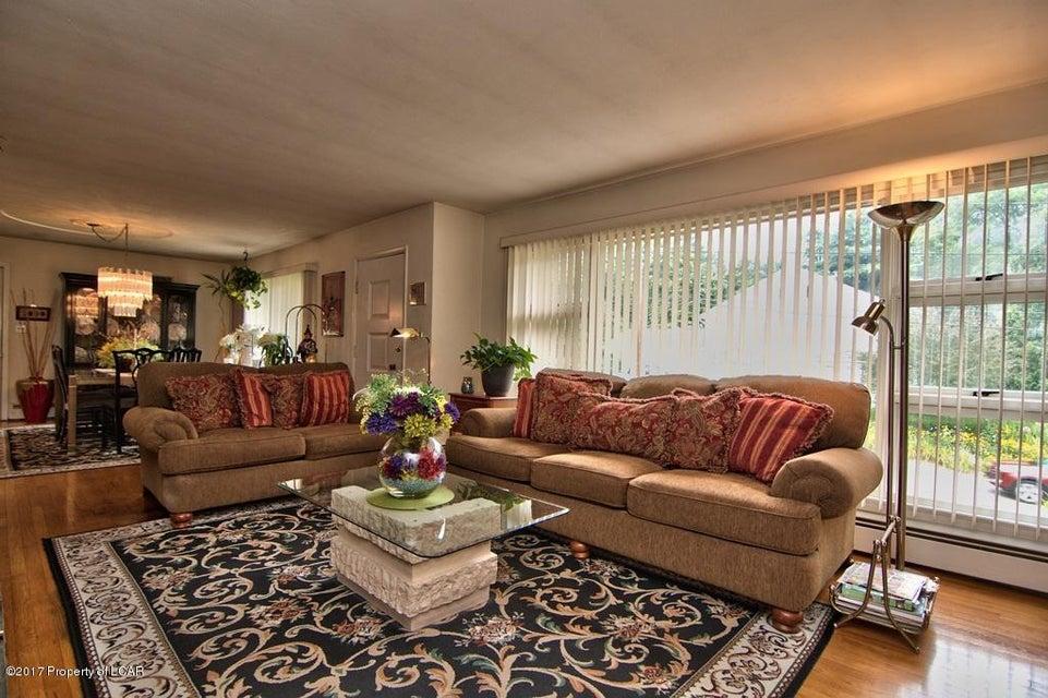 210 Overbrook Rd,Dallas,Pennsylvania 18612,3 Bedrooms Bedrooms,8 Rooms Rooms,2 BathroomsBathrooms,Residential,Overbrook,17-4336