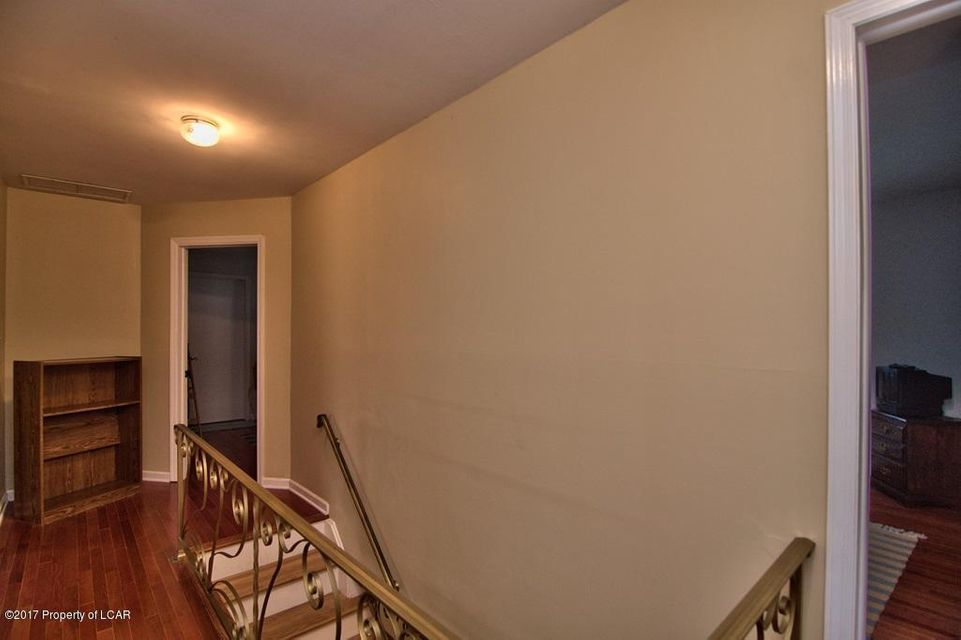 2nd Floor Hall View 1