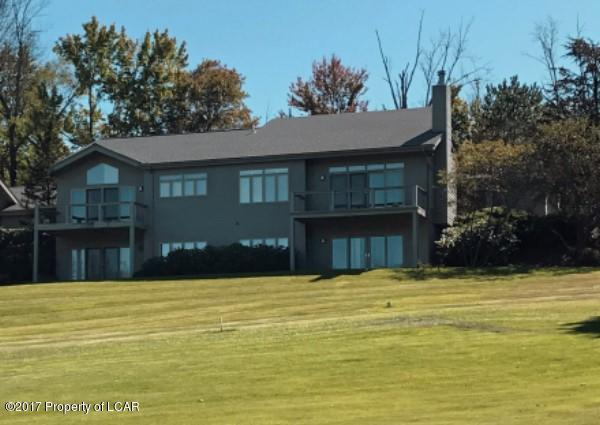 743 The Greens Dallas,Pennsylvania 18612,4 Bedrooms Bedrooms,9 Rooms Rooms,2 BathroomsBathrooms,Residential,The Greens,17-2439