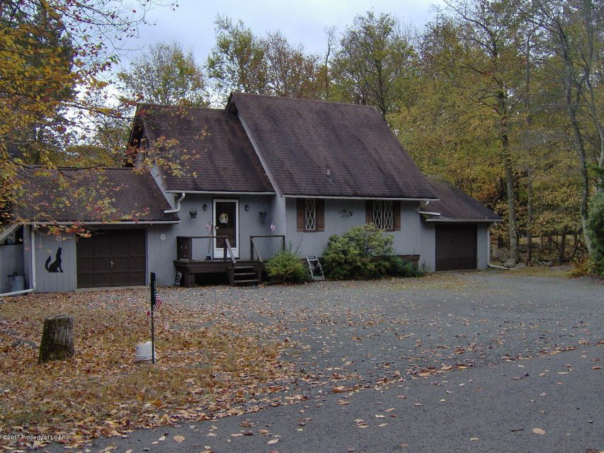 89 Greenwood Road Lake Harmony,Pennsylvania 18624,4 Bedrooms Bedrooms,7 Rooms Rooms,2 BathroomsBathrooms,Residential,Greenwood Road,17-5482