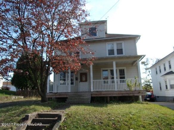 17 State Street,Larksville,Pennsylvania 18704,4 Bedrooms Bedrooms,8 Rooms Rooms,1 BathroomBathrooms,Residential,State,17-5845