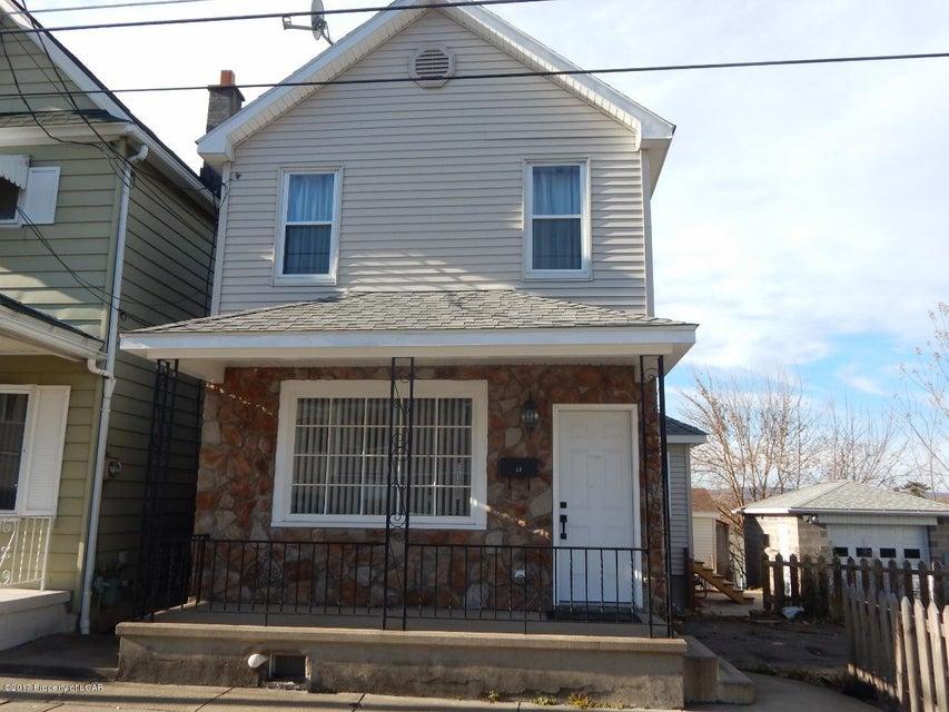 53 Cummiskey St,Wilkes-Barre,Pennsylvania 18702,3 Bedrooms Bedrooms,6 Rooms Rooms,1 BathroomBathrooms,Residential,Cummiskey,17-6163