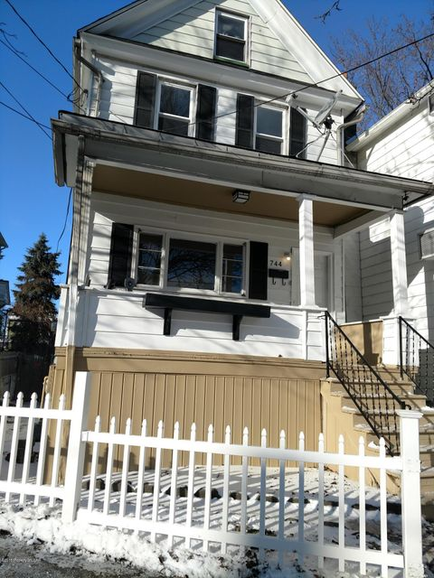 744 Main St,Wilkes-Barre,Pennsylvania 18702,3 Bedrooms Bedrooms,6 Rooms Rooms,1 BathroomBathrooms,Residential,Main,18-133